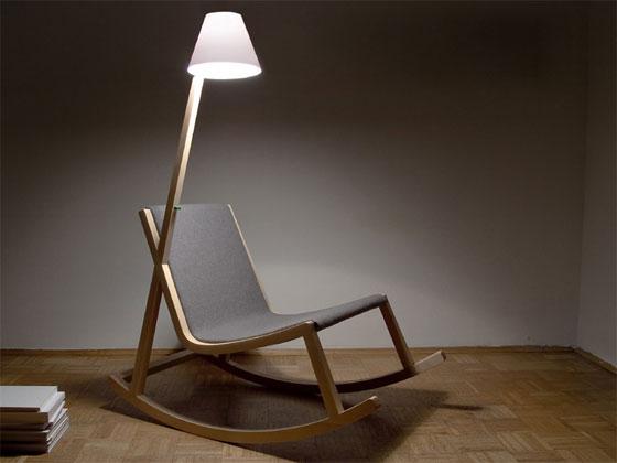 кресло качалка с лампой
