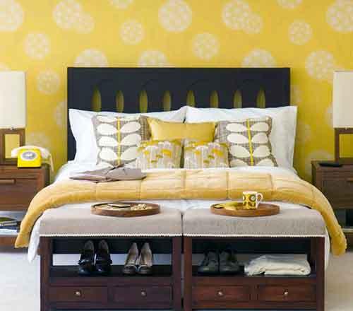 сочетание обоев для спальни и постельного белья