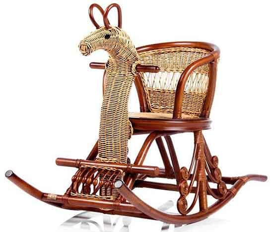 детское кресло-качалка из ротанга