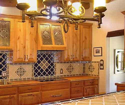 мозаика в интерьере кухни в мексиканском стиле
