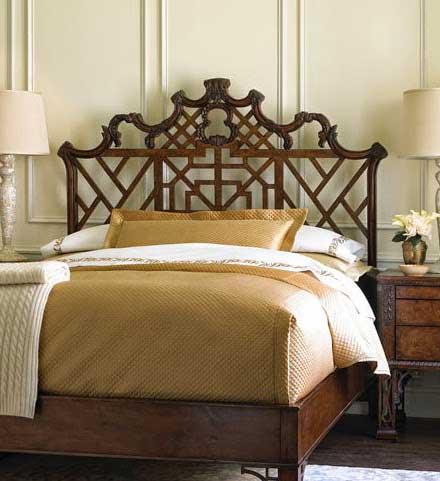 кровать в стиле чиппендейл