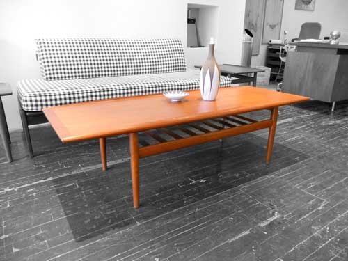 кофейный столик в скандинавском стиле