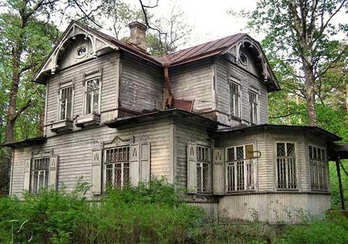 потемнение фасада деревянного дома