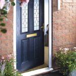 синяя входная дверь