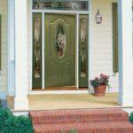 Зеленая входная дверь