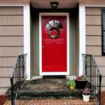выбор цвета для входной двери красный цвет