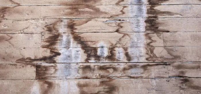 пятна от воды на древесине